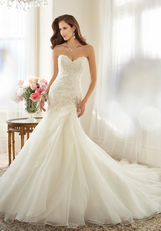 a-line wedding dress with sweetheart neckline