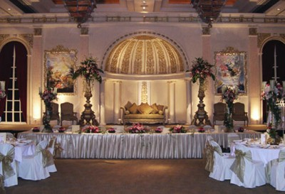 elegant and classic wedding decorations