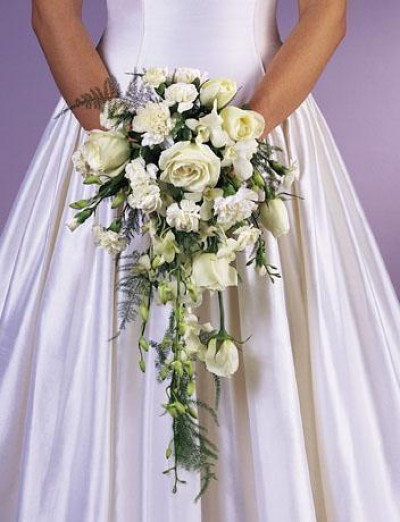 cascade hand wedding bouquet