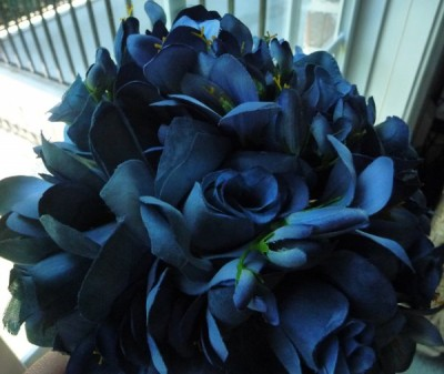 navy blue wedding bouquets