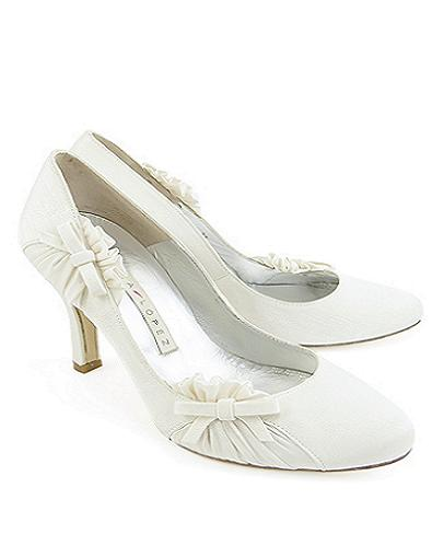 pump wedding shoes