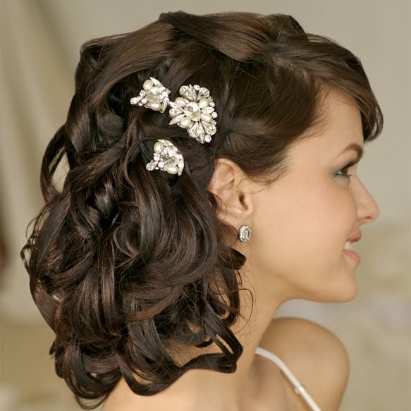 long curly wedding hairstyles with flowers