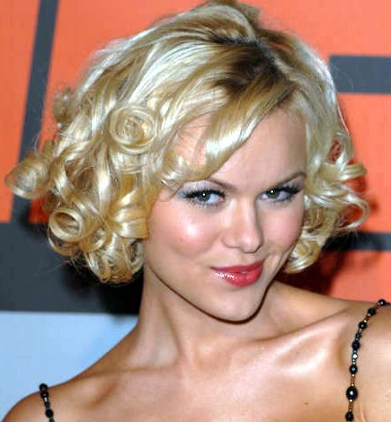 short curly bridal hairstyles for blond hair