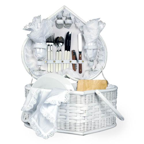 Creative Wedding Gift Basket Ideas : wedding gift baskets and wedding hampers ? are among the unique gifts ...