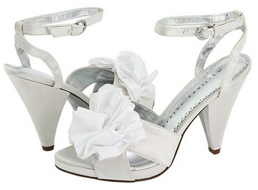 Important Tips of White Wedding Shoes