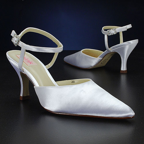 discount ivory wedding shoes with medium heels