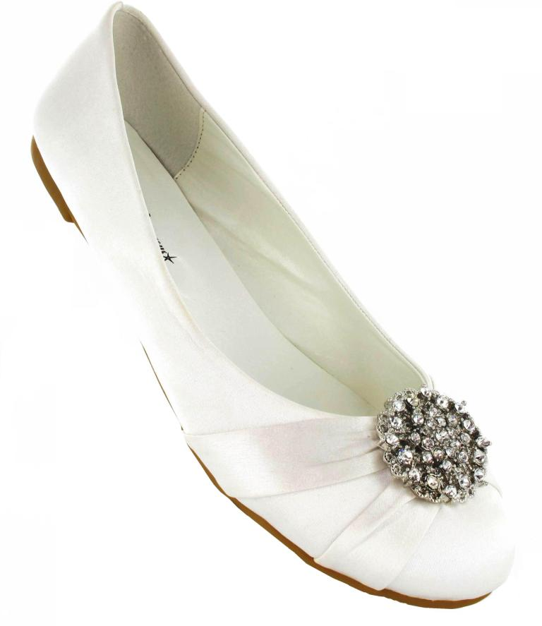 Tips To Find The Right Pair Of Ivory Wedding Shoes