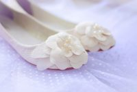 wedding shoes for pregnant brides