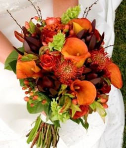 vibrant fall wedding flowers