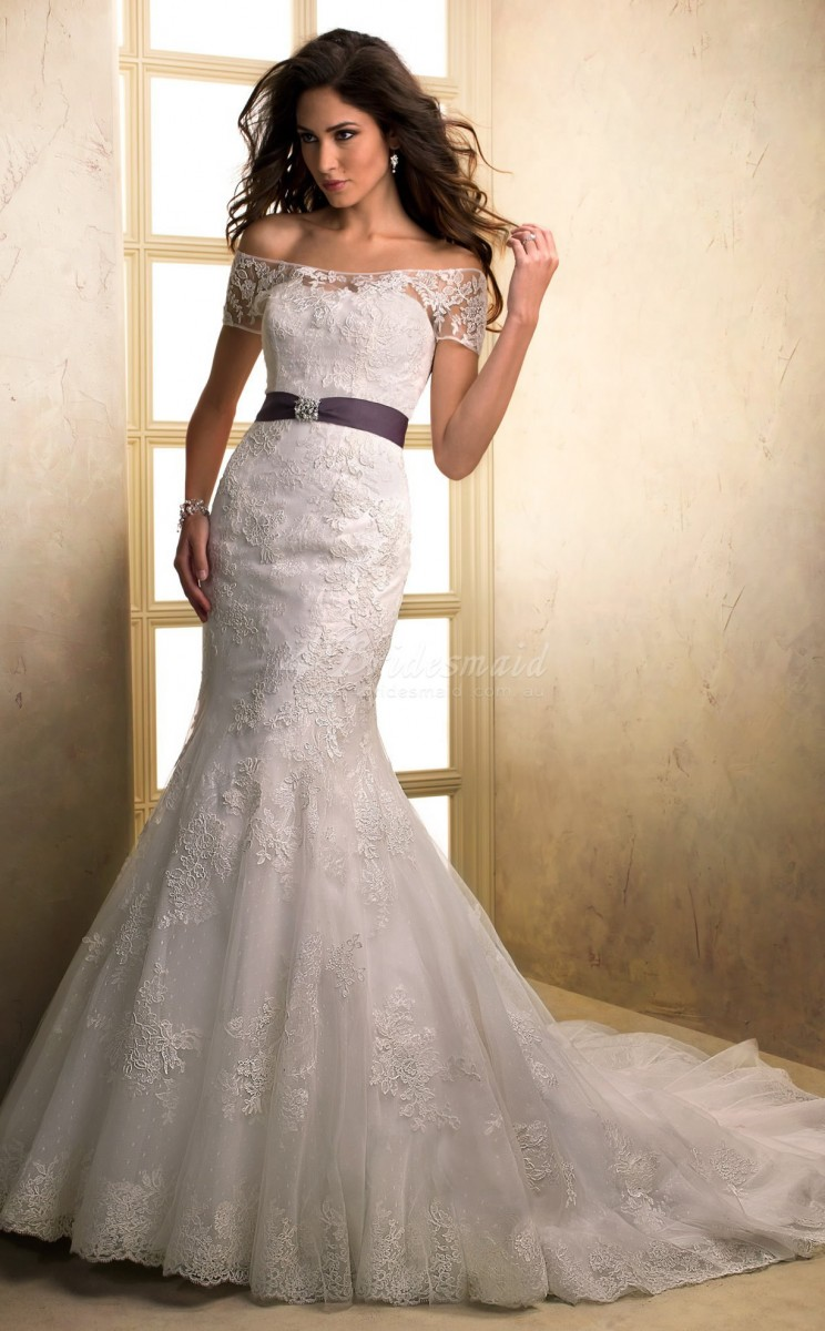 Pretty photos of lace wedding dresses with off the for Lace off the shoulder wedding dresses