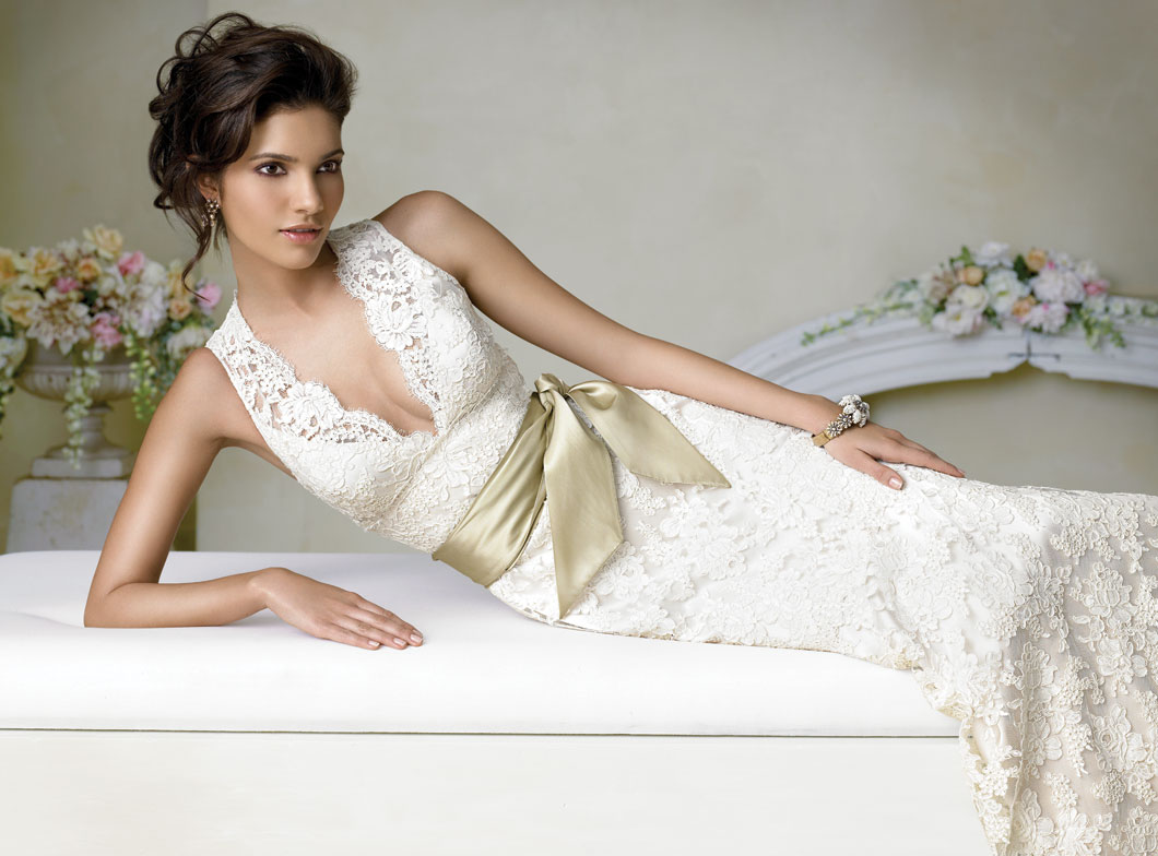 ivory lace wedding dress with v-neckline and sash