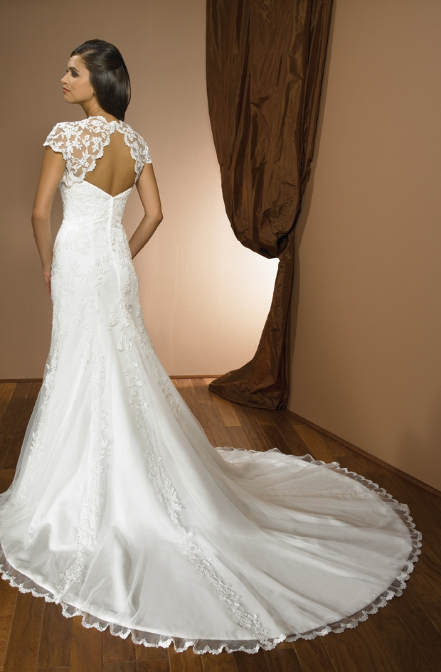 lace cap sleeves wedding dress with long train