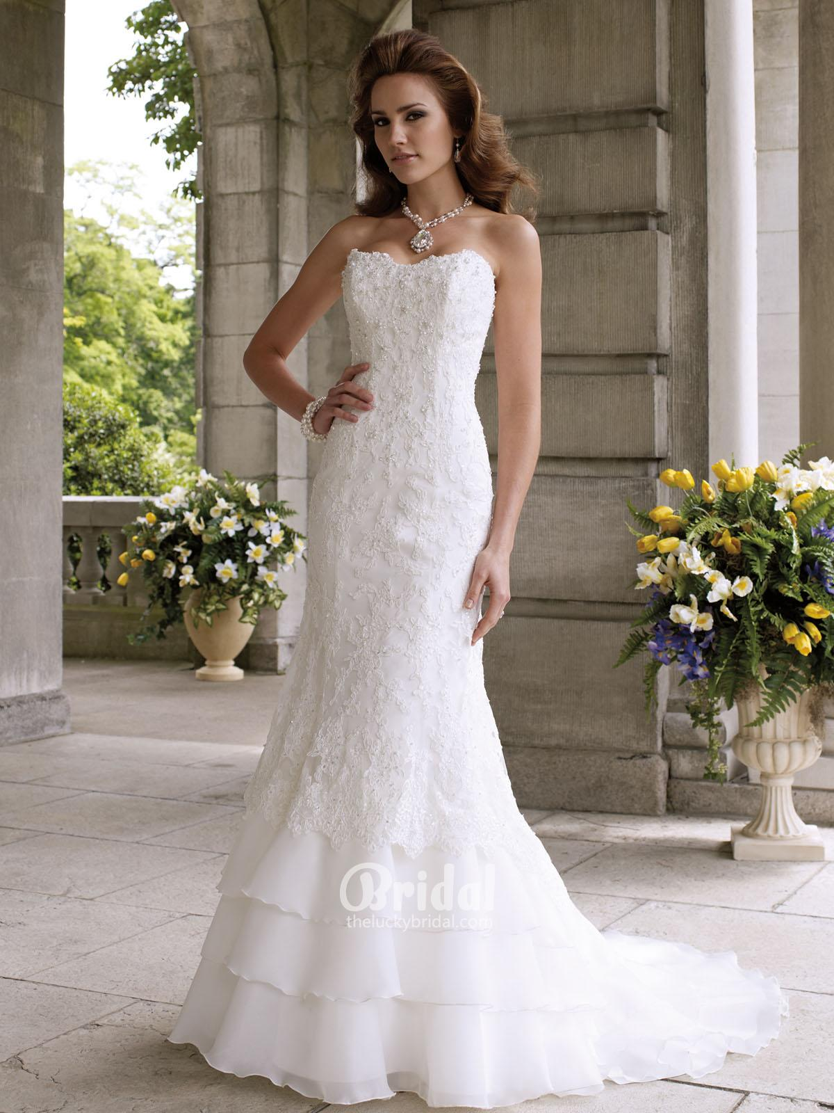 strapless vintage lace wedding dress with a-line