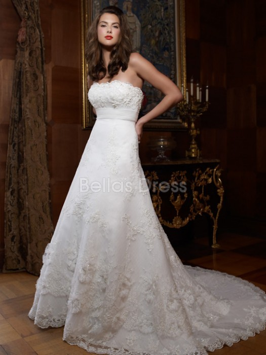 strapless vintage lace wedding dress with floor length