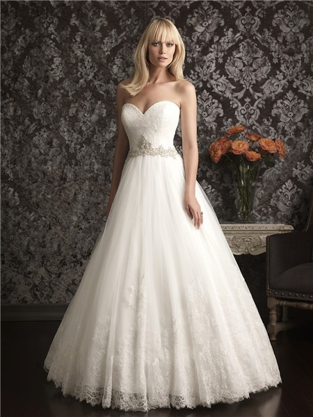 strapless vintage lace wedding dress
