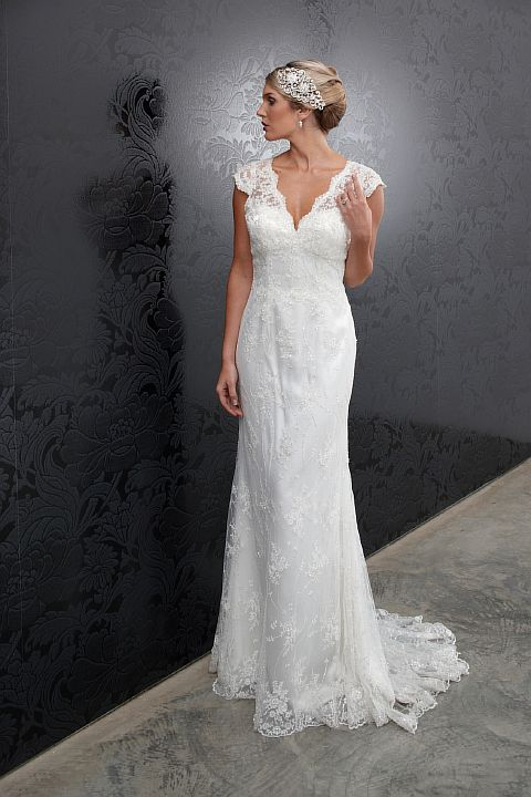 Striking Collections Of Vintage Lace Wedding Dresses With Cap Sleeves