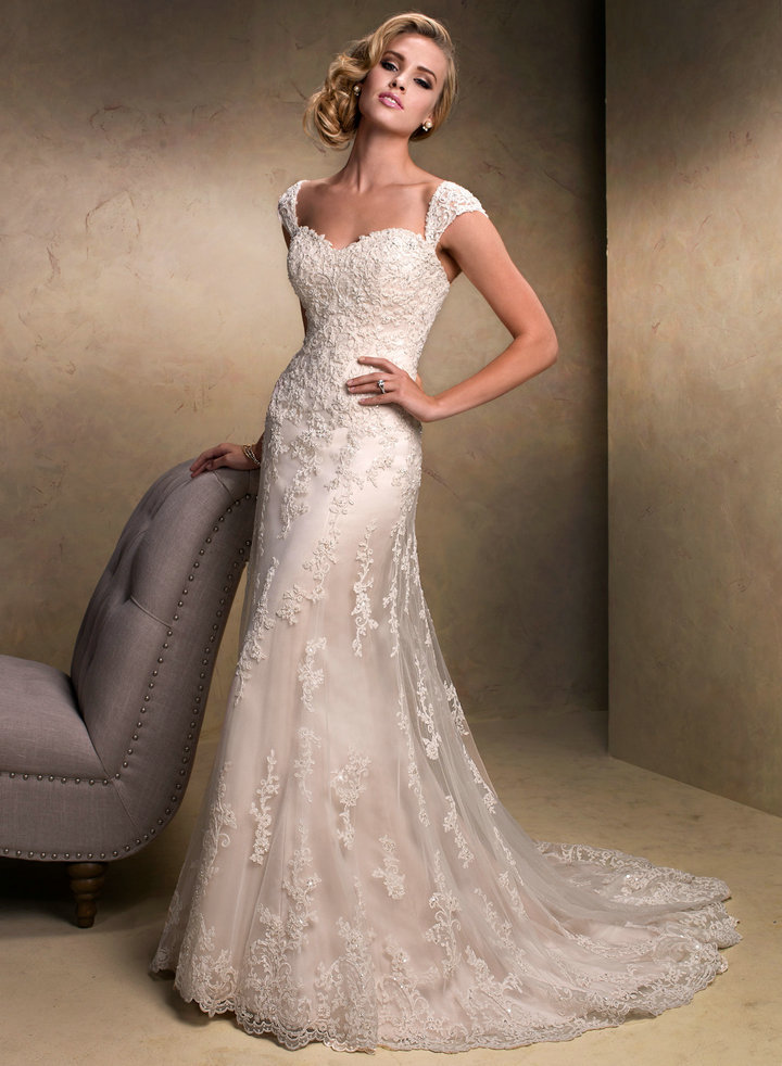 vintage lace sweetheart wedding dress with cap sleeves