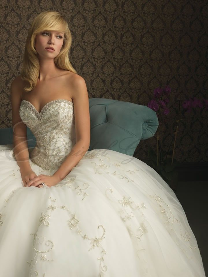 ball gown wedding dresses with sweetheart necklinecherry
