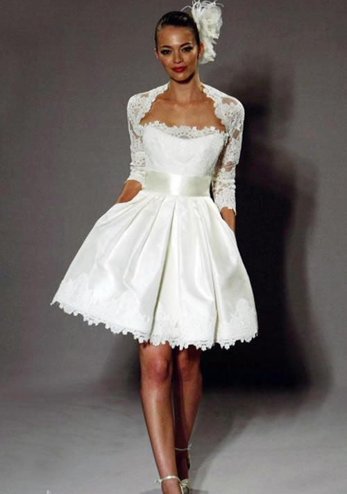 short lace vintage wedding dress with 3 per 4 sleeves