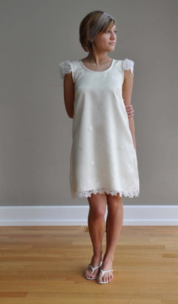 Simple Vintage Short Lace Wedding Dress For Short