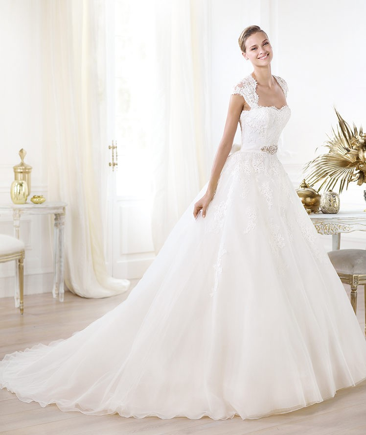 square satin ball gown wedding dress with chapel trainCherry Marry ...