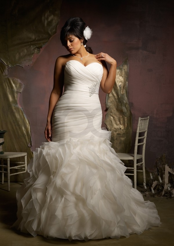 plus size mermaid wedding dresses with sleeves