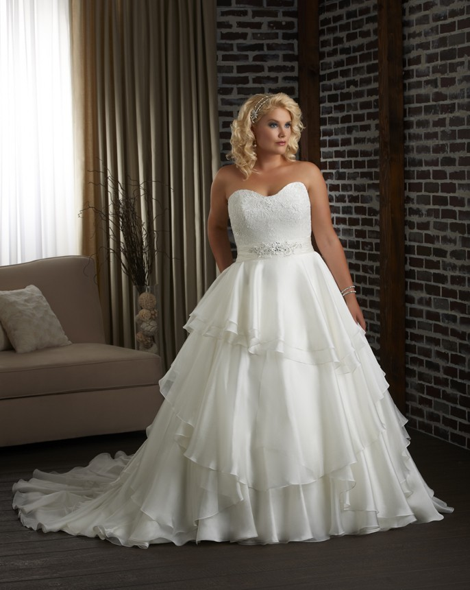 Elegant collection of plus size ball gown wedding dresses for Best wedding dress styles for plus size brides