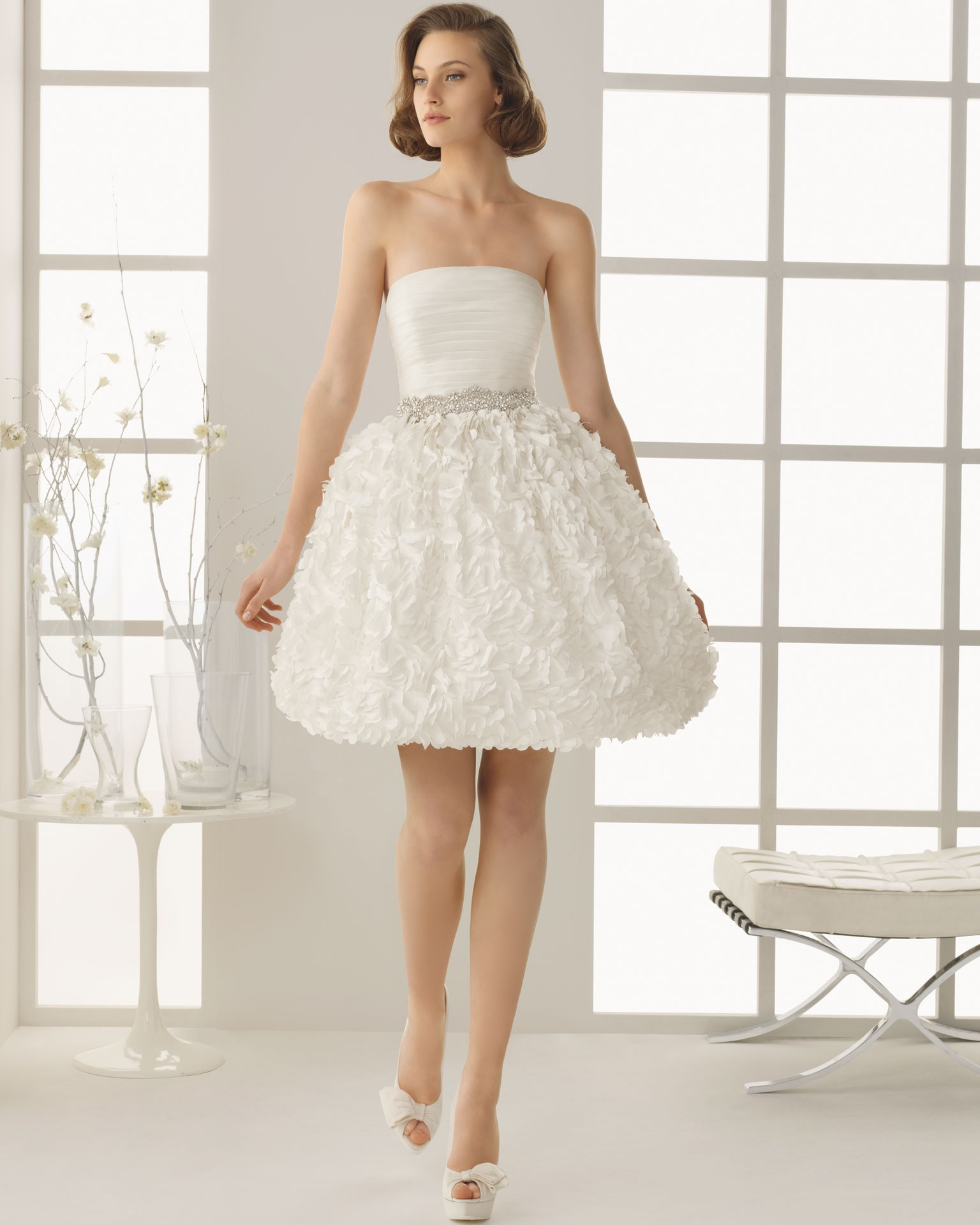 Short White Lace Strapless Dress