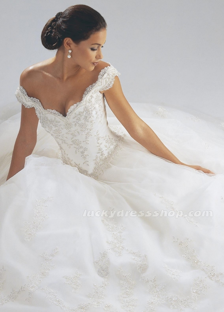 Chic collection of ball gown wedding dresses with off the for Off the shoulder ball gown wedding dress