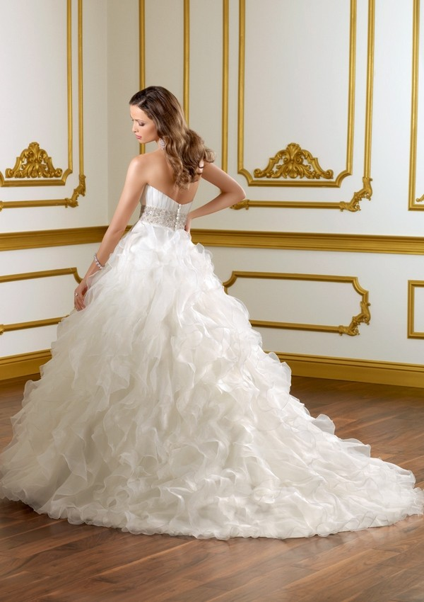 white ball gown wedding dress with diamonds
