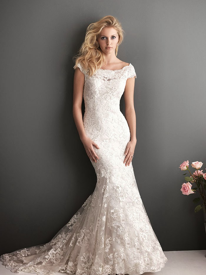 ivory lace mermaid wedding dresses