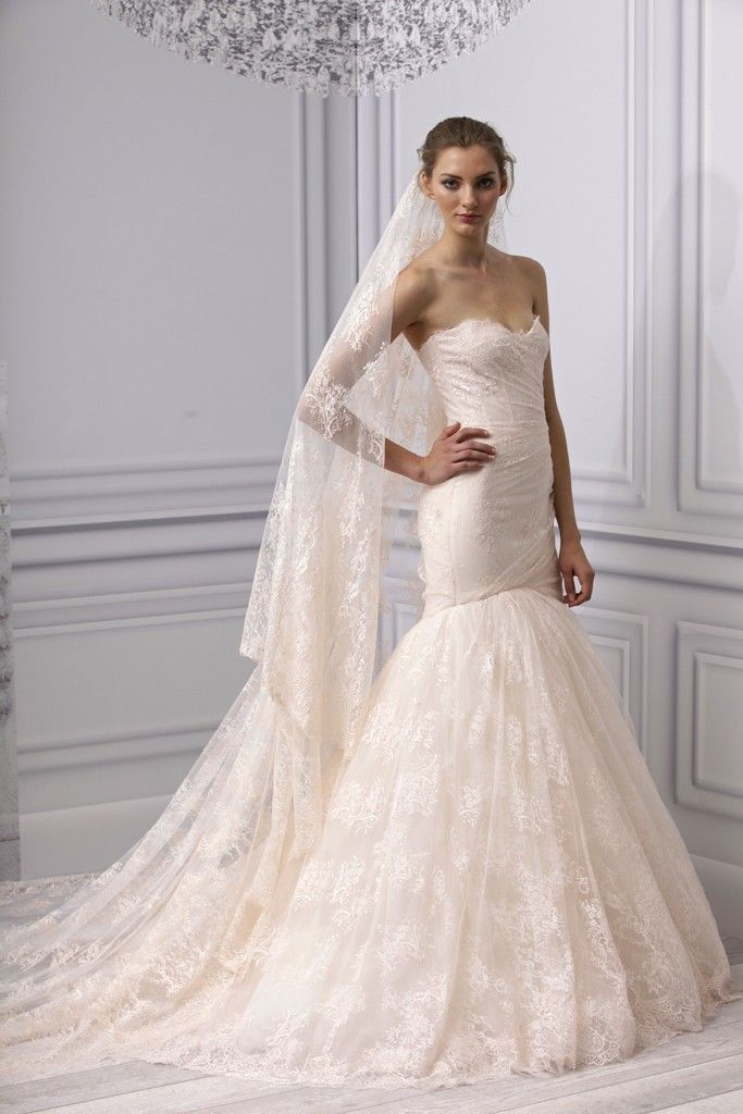 Lace Wedding Dress And Veil : Monique lhuillier lace mermaid wedding dress with long