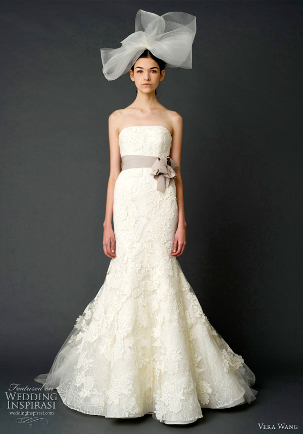 vera wang lace mermaid wedding dress