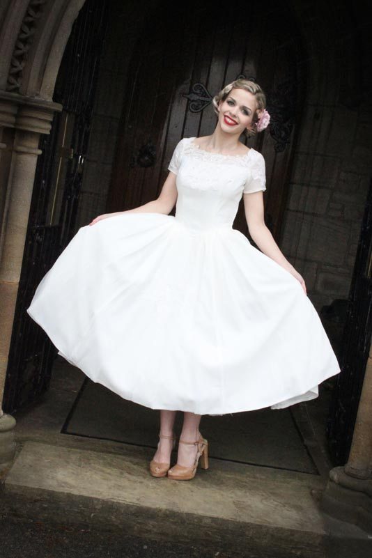 ball gown vintage wedding dress 1950 with short sleevesCherry Marry ...