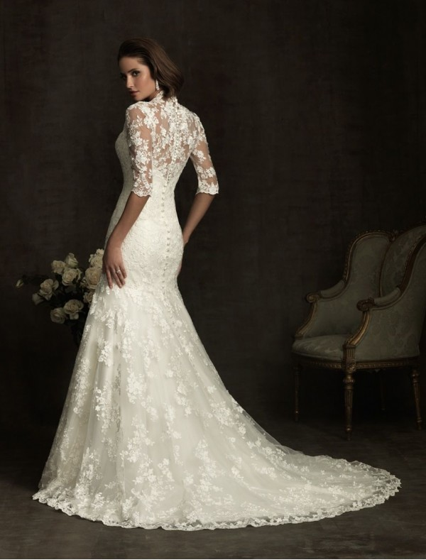 lace vintage wedding dress with three square sleeves