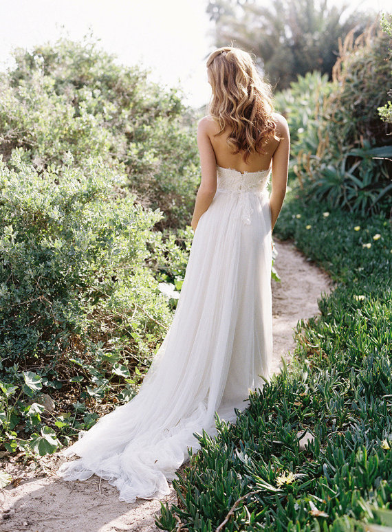 rustic country white wedding dress with long train