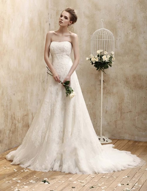 strapless vintage wedding dress with a-line silhouette