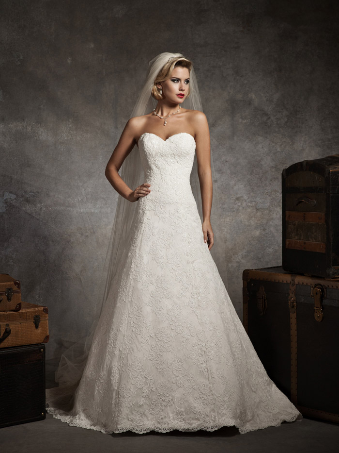 sweetheart strapless lace a-line wedding dress