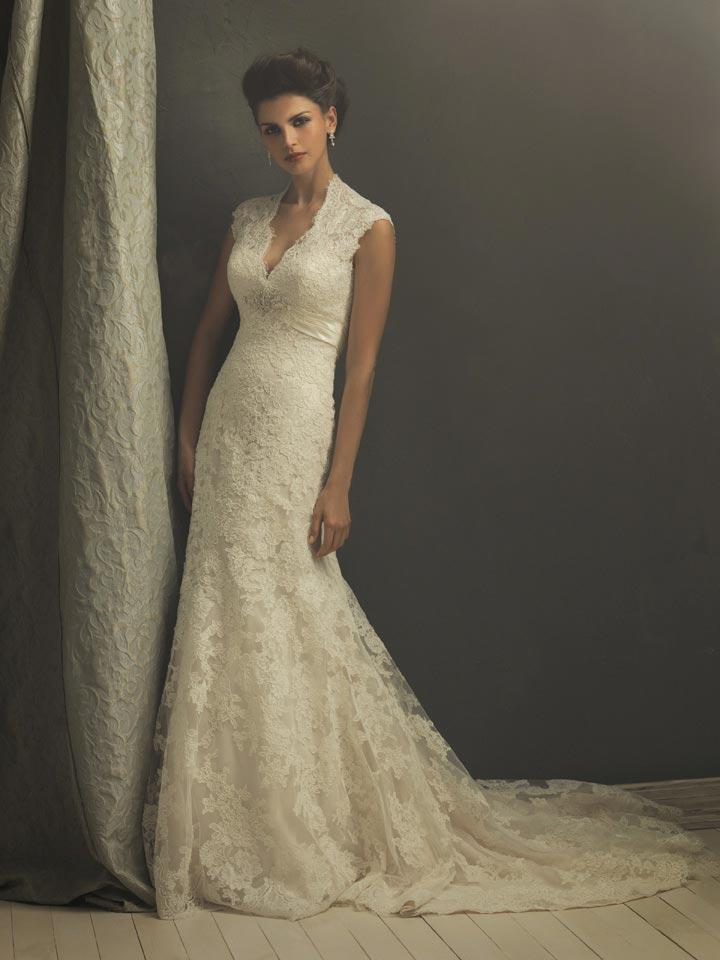 vintage lace wedding dress with chapel train