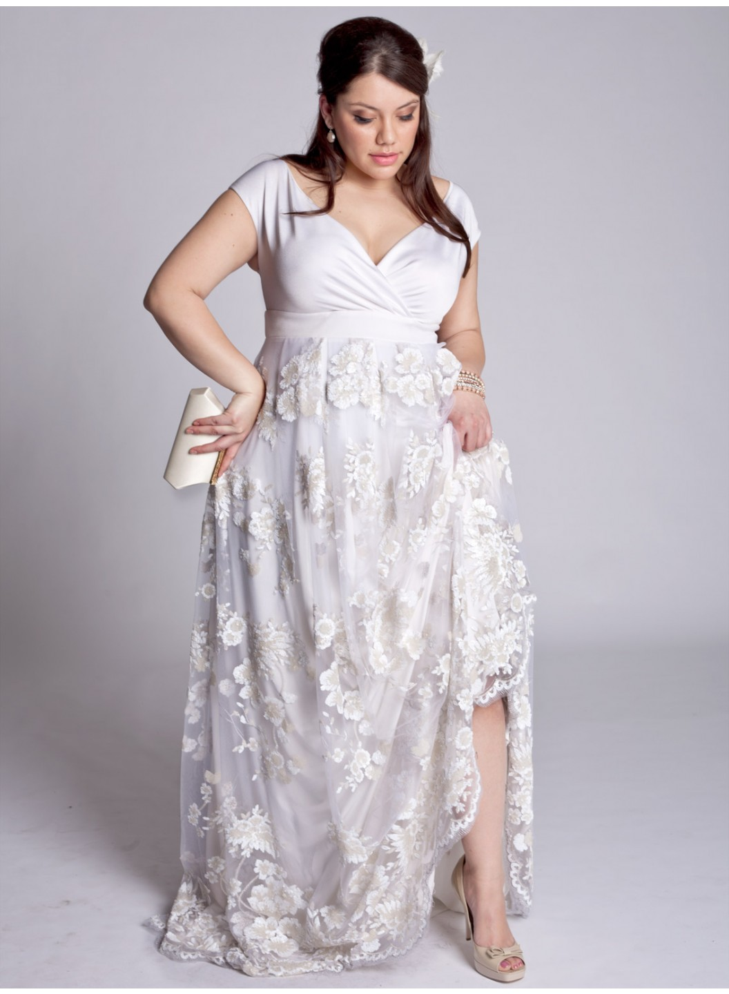 Simple plus size wedding dress with embroiderycherry marry for Wedding dress big size