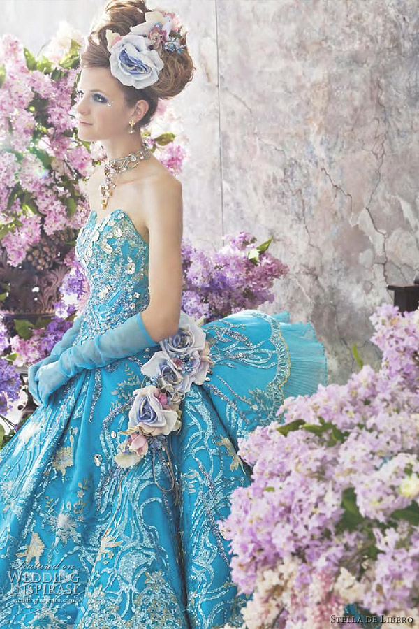 blue colored wedding dress from wedding inspirasi 01