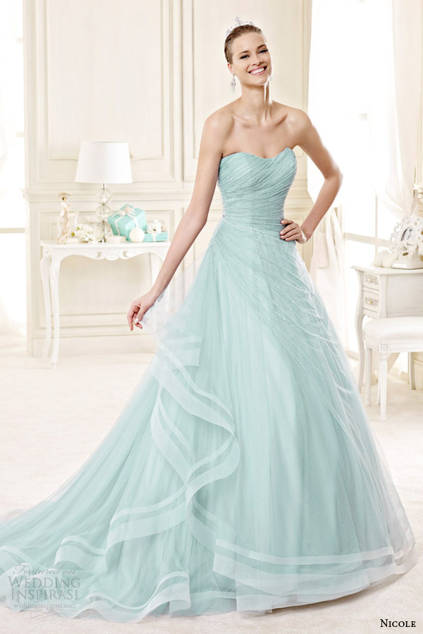 green colored wedding dress with sweetheart necklineCherry Marry ...