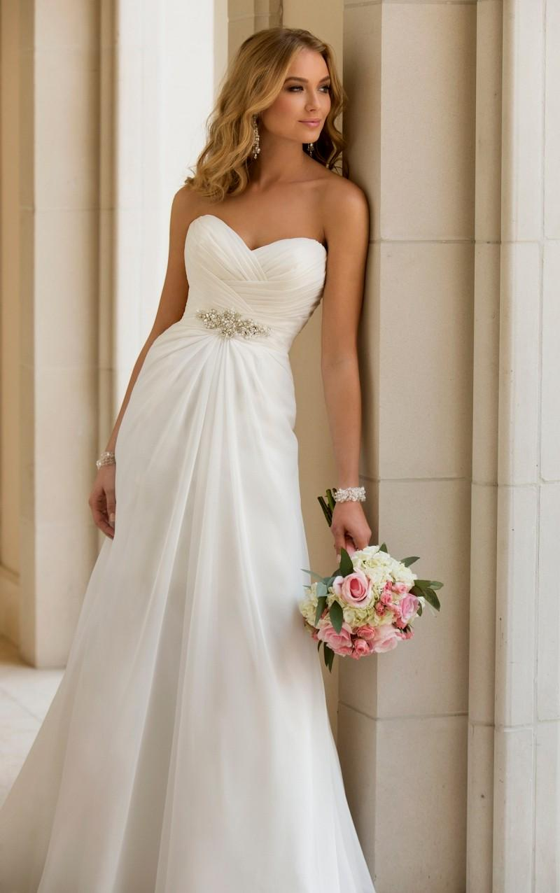 simple country sweetheart wedding dress