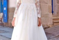 beautiful floor length wedding dress