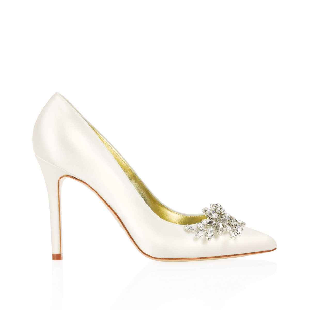 ivory wedding shoes for bride