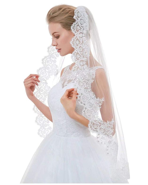 2 Tier Lace Fingertip Veils for Brides with Comb