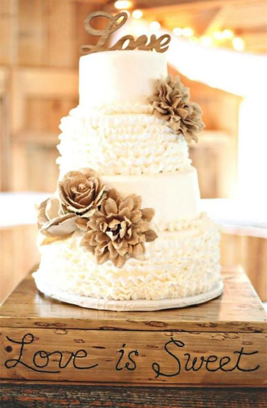 Vintage Styled Wedding Cake With Ruffled Tiers
