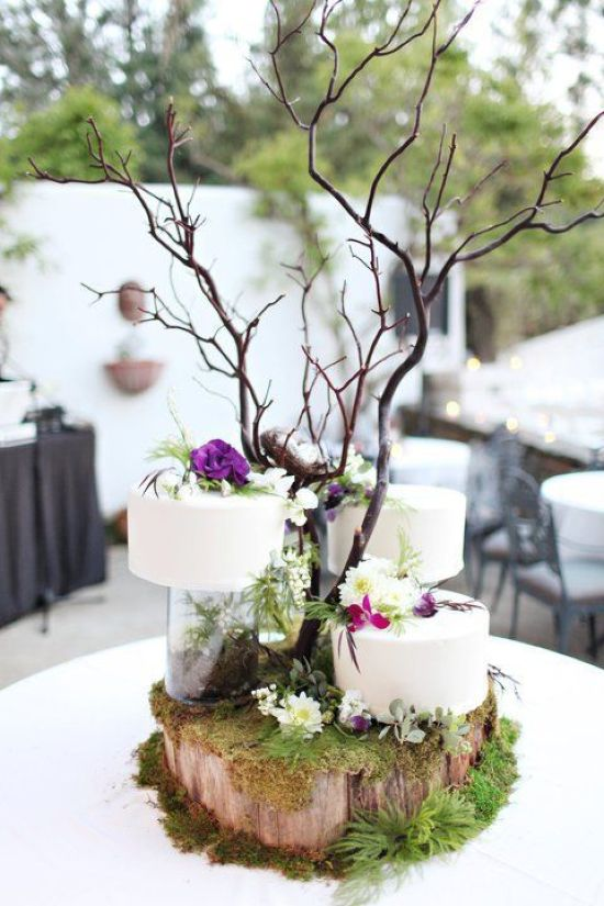 Wedding Cakes Placed On A Wood Slice