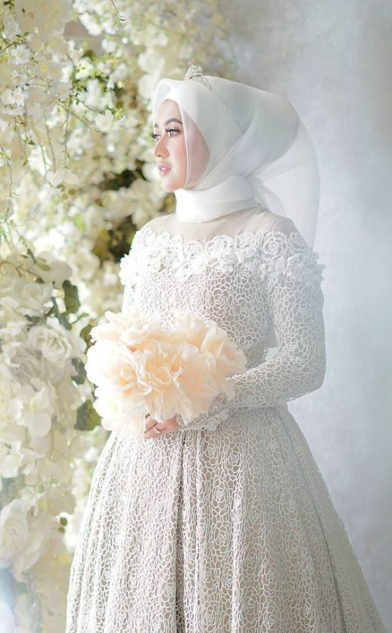Islamic Ball Gown Wedding Dress With White Veil