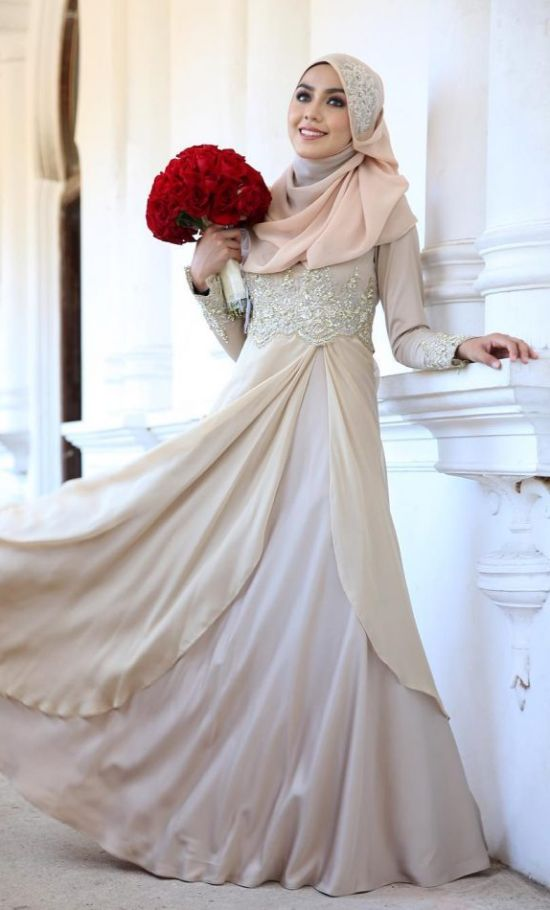 Islamic Cream Wedding Dress With Floor Length